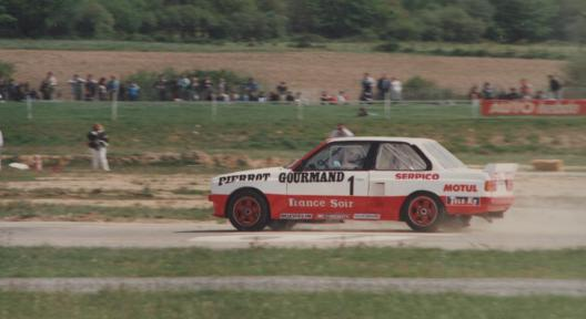 accident mortel rallycross essay 1996 Rallycross tyres are more like circuit tyres than rally ones real 'full slicks' have been banned after the fatal 1996 accident at essay in france.