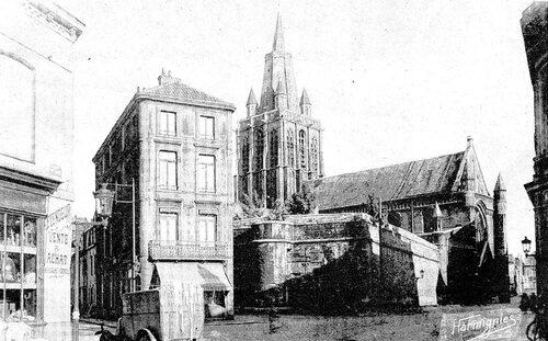 « A la maison Graux revendeur », rue De-Croy en 1930