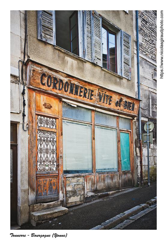 Vieilles enseignes de France, un passé pas si lointain