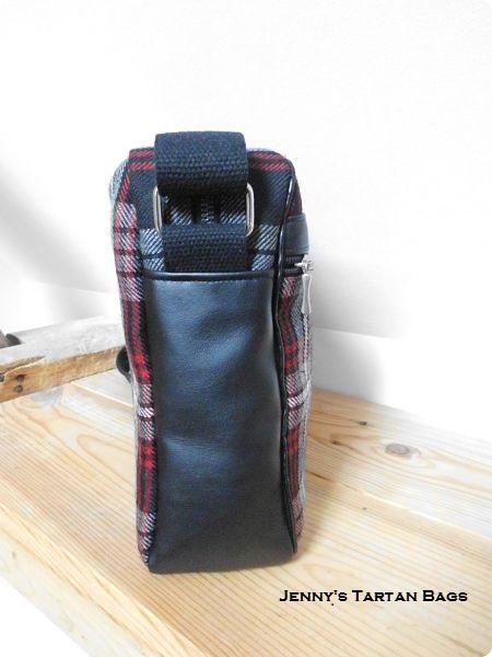 Crossbody bag in Auld Lang Syne tartan