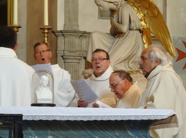 Les Ambrosiniens, les Dames de Pontigny et la Schola de Pontigny ont donné un magnifique concert dans l'ancienne église de l'abbaye Notre-Dame à Châtillon sur Seine