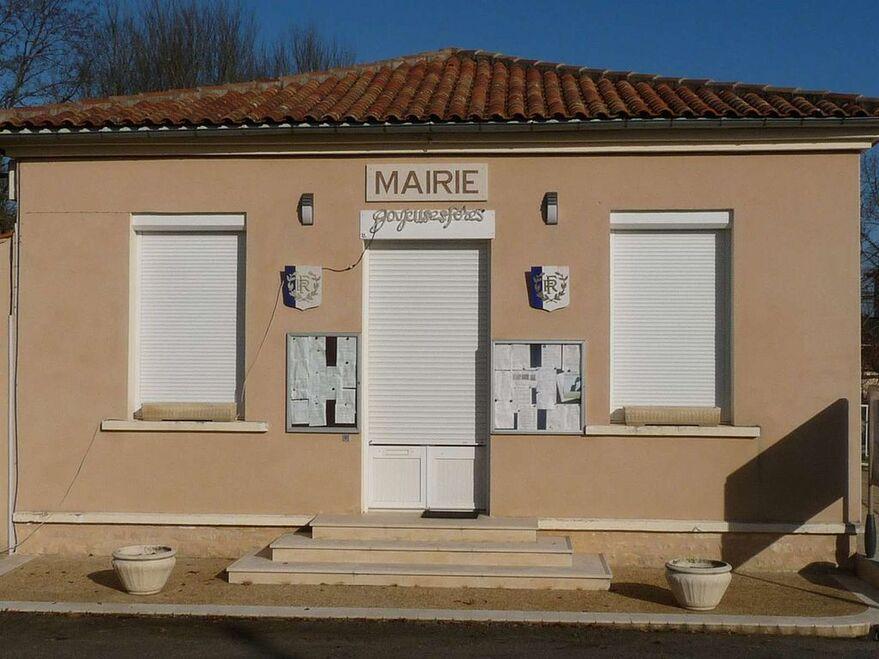 Souffrignac mairie.JPG