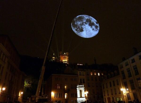 Lyon St Jean Lune