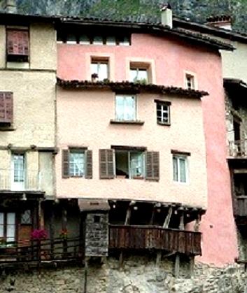 Rhône-Alpes- Isère ,le village médiéval dans le Vercors «Pont en Royans»
