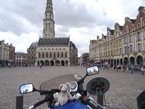 Harassées à Arras