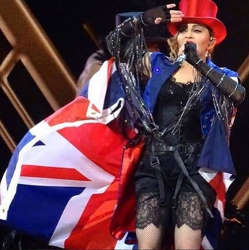 Rebel Heart Tour - 2015 12 01 London (19)