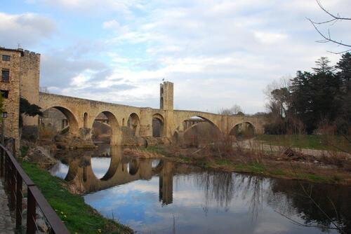 Le vieux pont fortifié