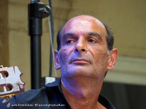 Juan Carmona... le musicien magicien...