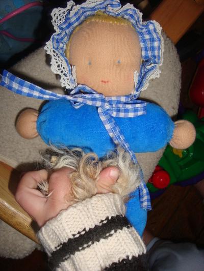 Blog de melimelodesptitsblanpain :Méli Mélo des p'tits Blanpain!, La poupée de Léo-Pol!