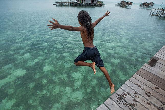 Les-Bajau-ou-gitans-de-la-mer-vivent-dans-leur-propre-paradis-4