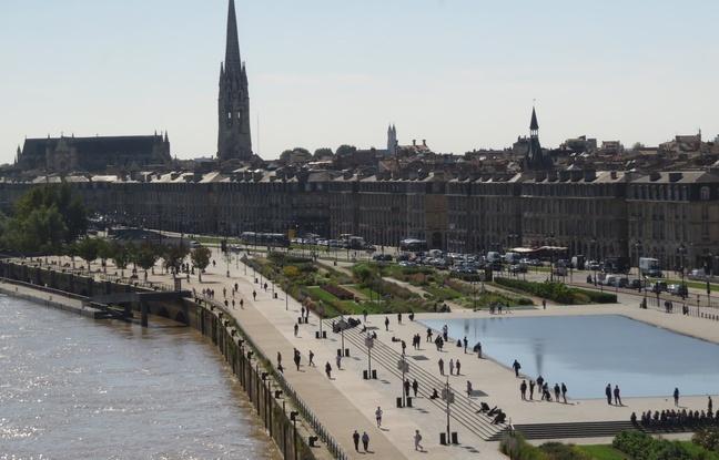 A Bordeaux le 29 septembre 2015, vue sur les quais de Bordeaux.