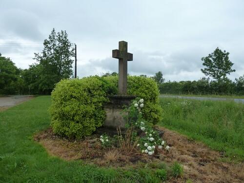 La croix de la bataille de Gravereau....