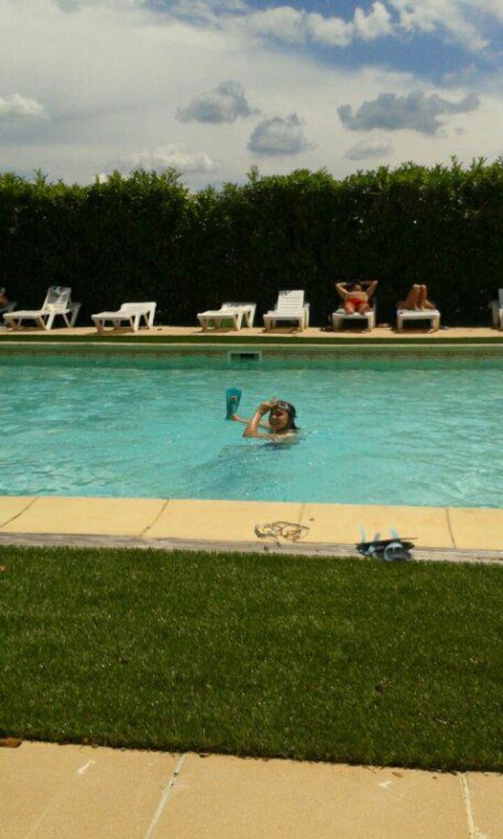piscine dans le gite hotél