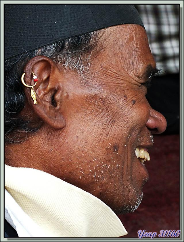 Blog de images-du-pays-des-ours : Images du Pays des Ours (et d'ailleurs ...), Dernier article sur ce périple: musiciens à Hanuman-dhoka Durbar Square - Katmandou - Népal