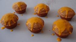 MUFFINS aux myrtilles, nappés de glaçage à la myrtille