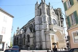 La collégiale Notre Dame et saint Loup