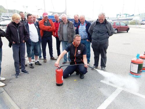 28 mai: Matinée sécurité, Retour sur l'atelier extincteurs ou comment éteindre un feu!