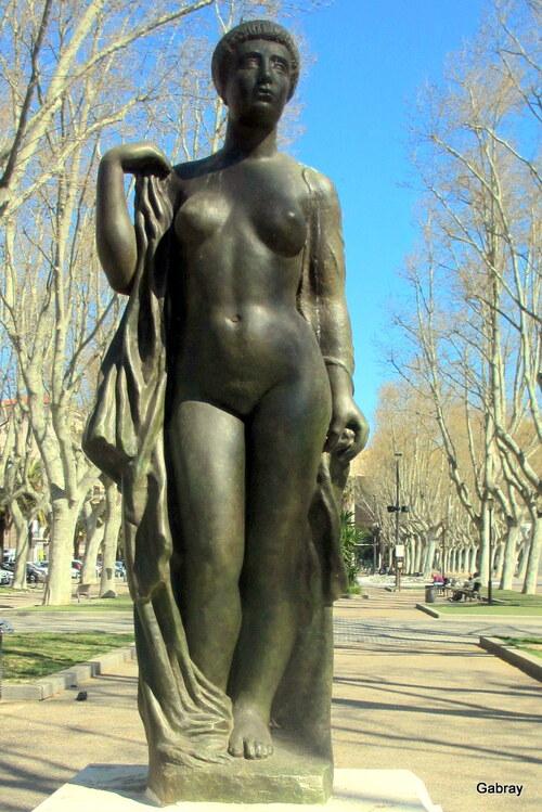 Perpignan: des statues ...
