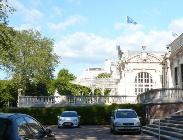 Palais-des-Congres---entree-principale.jpg