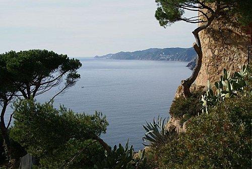 800px-Costa Brava des de Sant Elm