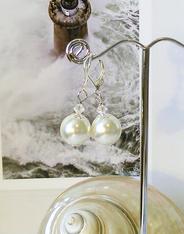 - Perles de Coquillage, Perles de culture, Verre nacré renaissance