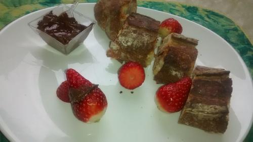 Idée de petit dej: Pain Chocolat et Fraise_La cuisinette de Laurete