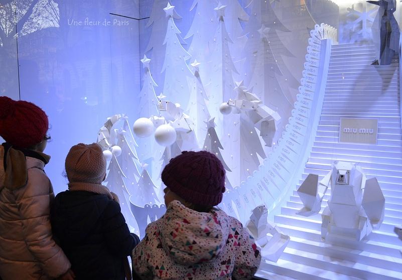 Vitrines de Noël 2016 aux Galeries Lafayette ... Suite