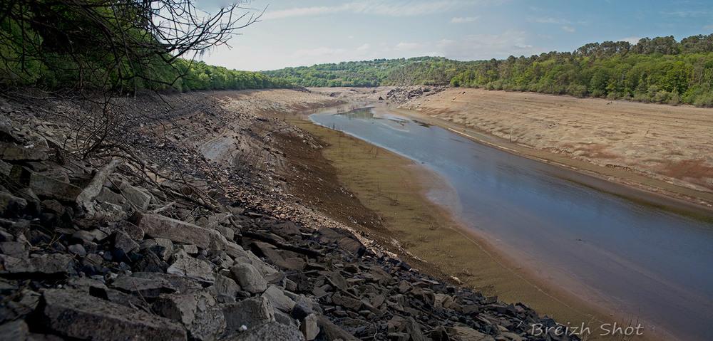 Panorama - barrage Guerlédan- assec