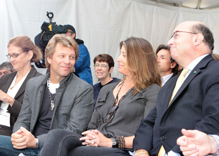 Jon Bon Jovi: What's On The Table For The Hungry 29 Août 2012