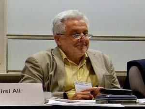 """الكاتب """"اليهودي """" الكبير هنريك برودر.. يشهر إسلامه و""""يصدم"""" الألمان"""