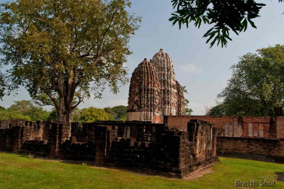 WAT SI SAWAI Sukhothaï - L'environnement verdoyant