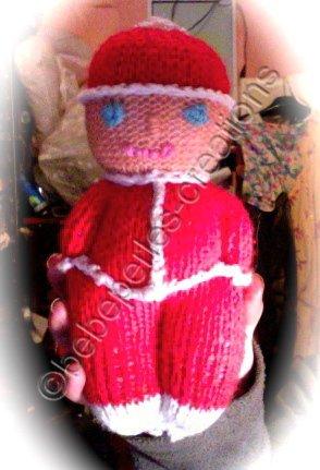 un petit bonhomme au tricot