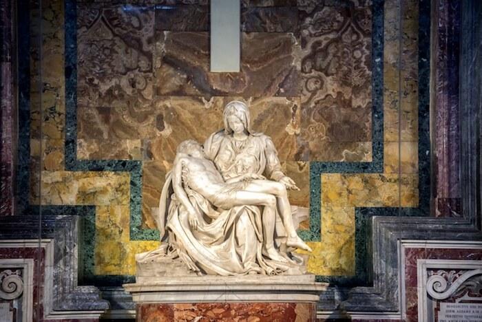 / HISTOIRE DE L'ART / Explorer la «Pietà» de Michel-Ange, un chef-d'œuvre de la sculpture de la Renaissance Par Kelly Richman-Abdou