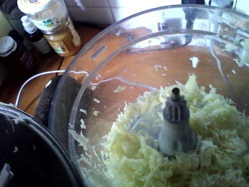 Salade un peu Détox de crudité, cranberries et noix sauce au Miel
