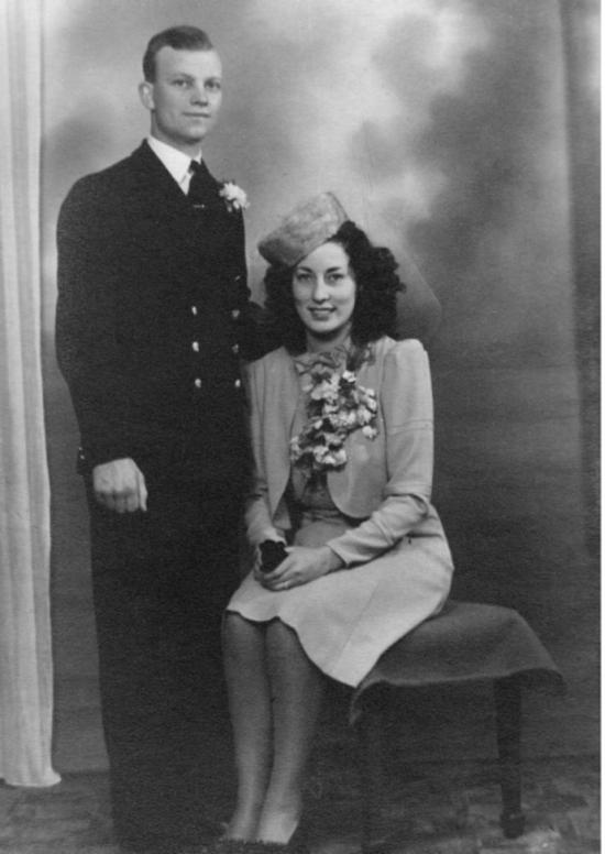 En 1940, Ron et Eileen se sont retrouvés et se sont mariés