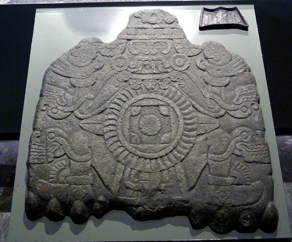 Musée Mexico Coaticlue dessous