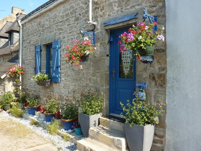 Mildéfis n° 228 - Une porte bleue fleuries
