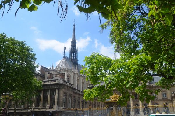 Visite de l'ancien Palais de Justice avec Générations13