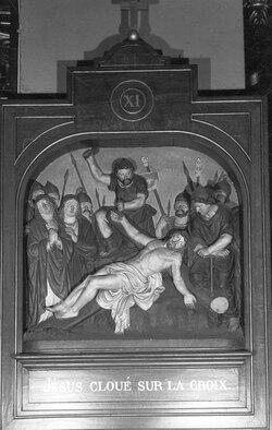 Geefs, Guillaume,sculteur,Eglise Saint-Nicolas ,Mons ,chemin de croix, bas-relief, sculpture,sculpté, polychromé,bois, platre,Jésus cloué sur la croix posée à terre