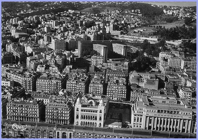 Vue aérienne sur la Ville, la Préfecture, la Nouvelle Mairie, le boulevard Carnot