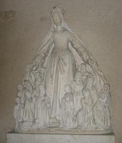 Vierge au manteau de Quemigny