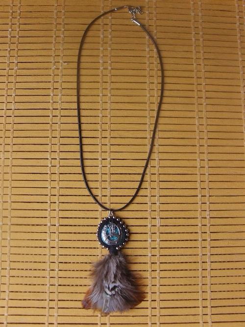 Colliers country réalisés avec des cordons