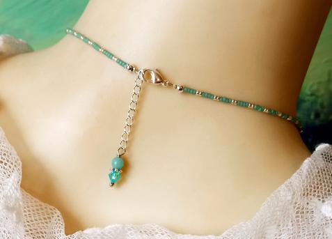 Collier pendentif grappe pierre de Quartz bleu facetté et cristal de Swarovski / plaqué argent