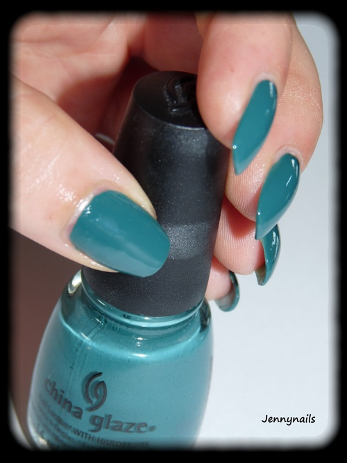 - Swatch - China Glaze :  exotic encounters