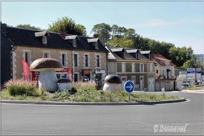 Rond-point Sarlat Dordogne les cèpes Aquitaine
