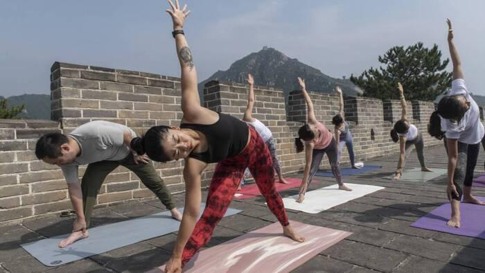 Surtourisme, érosion... la Grande Muraille de Chine peine à conserver sa splendeur Par Thibault Cealic