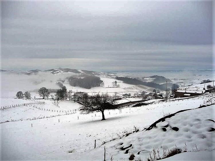 Hiver - neige - tempêtes - sans abris - ( Neige)