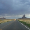 on the road, monument valley en vue