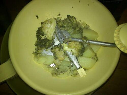 Des Petites Pommes duchesses brocolis/chèvre