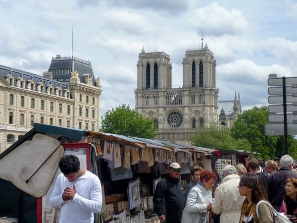 06 - Bouquinistes et Notre-Dame